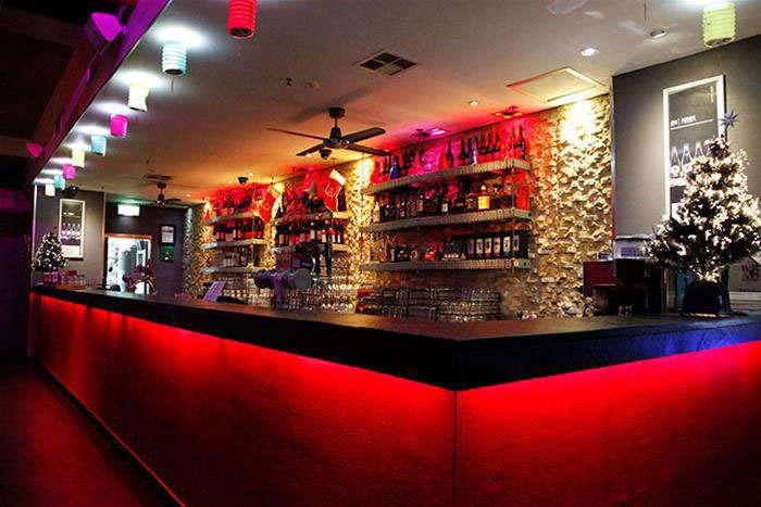 The bar at BAR138