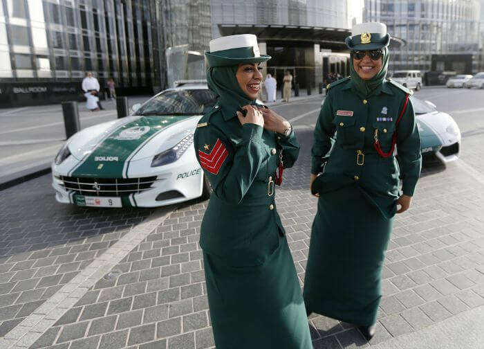 Happy and helpful cops in Dubai
