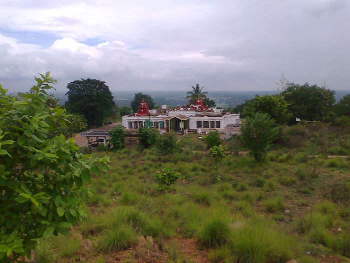 The temple of Vishnu embraced in Karighatta hill