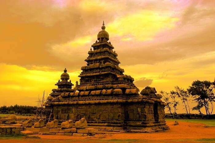 Waves clashing against the shore of Mahabalipuram Shore Temple