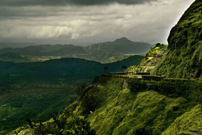 Mumbai to Lonavala is one of the best budget trips in India