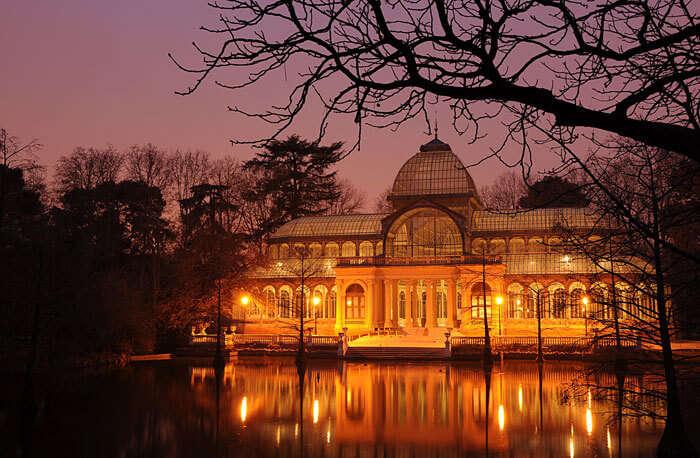 Illuminated Palacio_de_Cristal