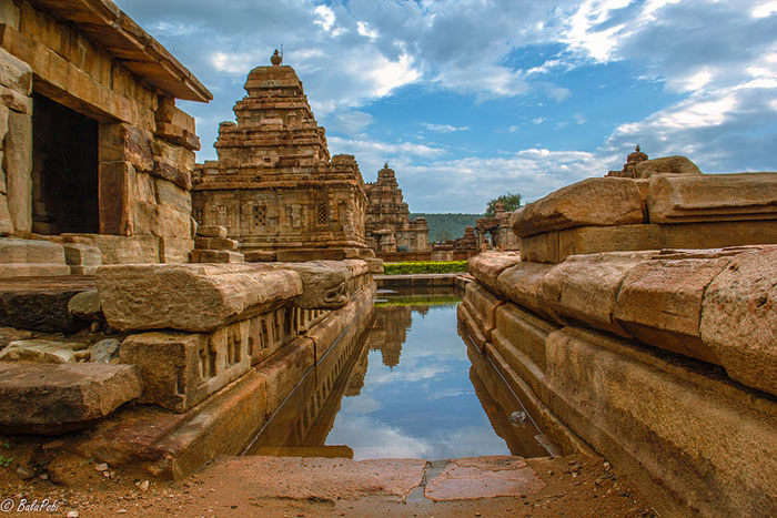 A beautiful picture showcasing the architectural magnificence of Pattadakal