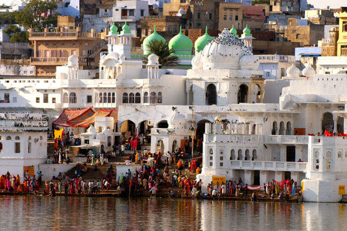 Hustling sarovar of Pushkar in Rajasthan