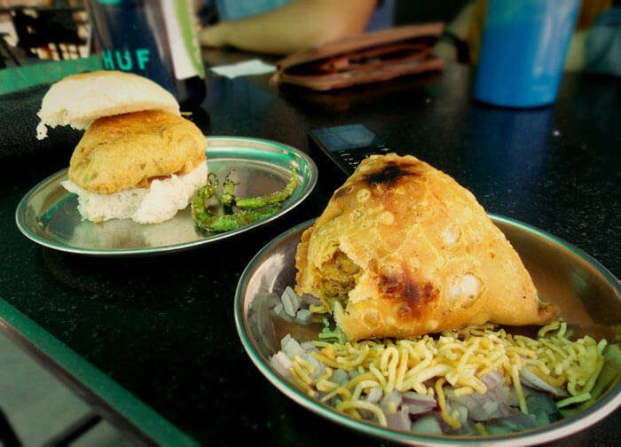 Mouth-watering Samosa and Pav at Law Faculty