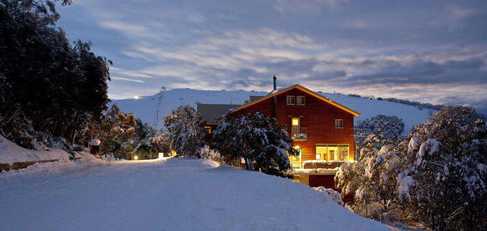 A view of the snow covered Summit Ridge Alpine Lodge- one of the ski resorts in Australia