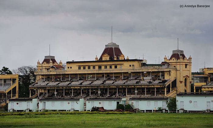 Another haunted place in Kolkata is the The Royal Calcutta Turf Club in Race Course