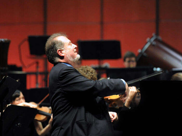 Grammy Award-winning American pianist Garrick Ohlsson performs Brahms' mighty First Piano Concerto