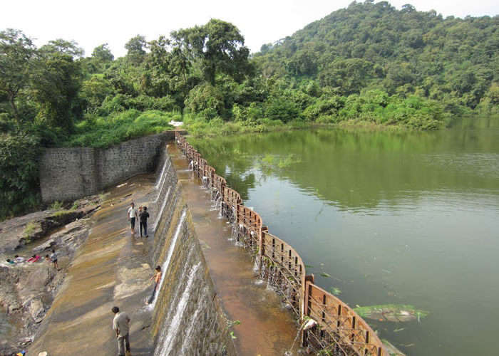 View of the Pelhar dam in the Pelhar village