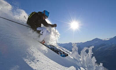 A person tries skiing in Pahalgam in Kashmir