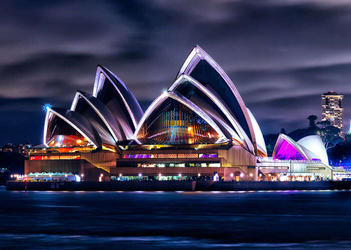 The splendid view of the Sydney Opera House at night