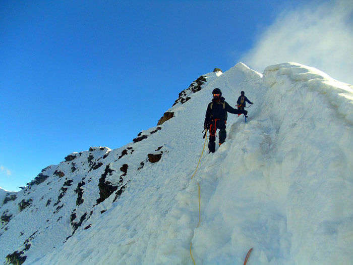 Too dangerous hike of Auden's Col Pass full of sudden fissures