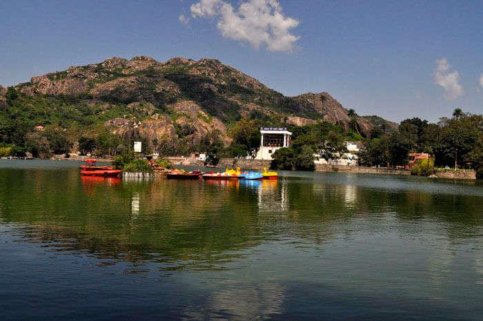 Stunning Nakki Lake in Mount Abu