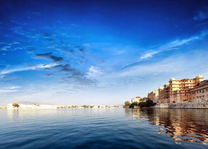 The panoramic view of Pichola Lake in Rajasthan
