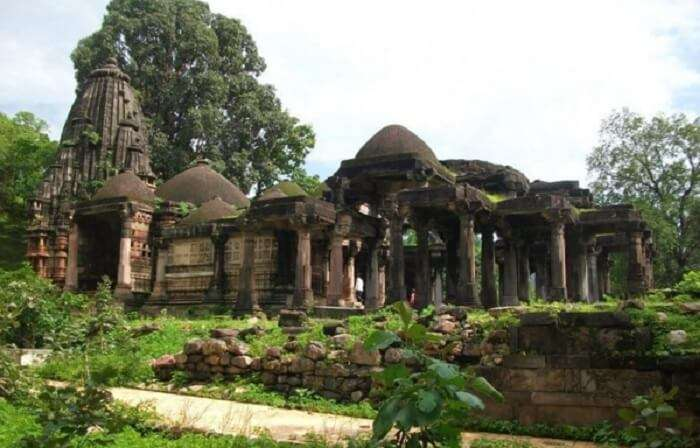The ruins at Polo forest in Vijayanagar