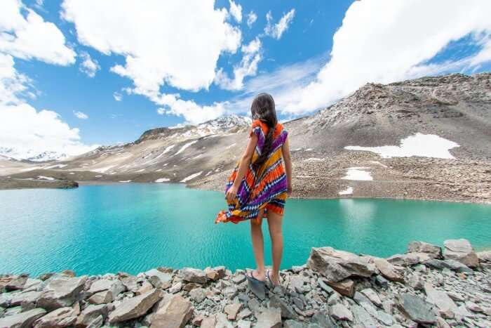 Traveler and blogger Sophee at Leh-Manali Highway