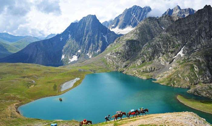The stunning Tarsar Lake in Jammu & Kashmir