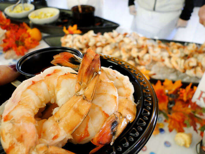 What better way to have fun in Mumbai than to try their authentic seafood