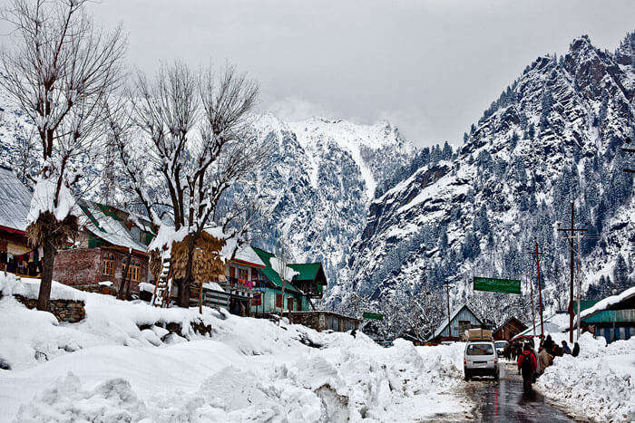 Sonamarg covered in snow during winters