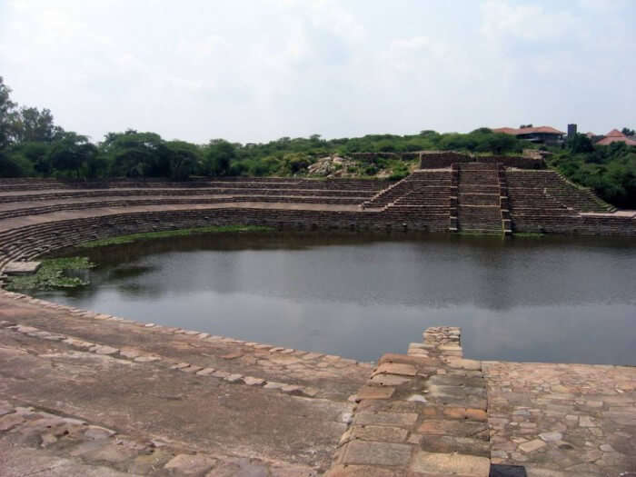 The artificial lake at Surajkund – the closest tourist place near Delhi in winter