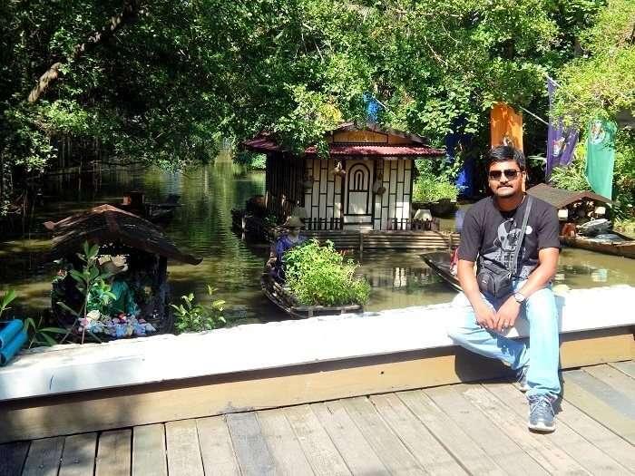 Amit posing in Bangkok