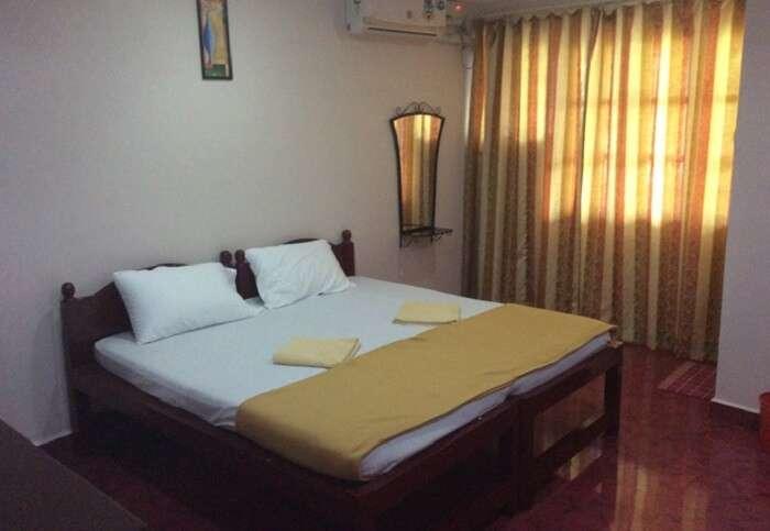 Angelina Beach Resort is a very neat 2 star hotel in Goa near Baga Beach