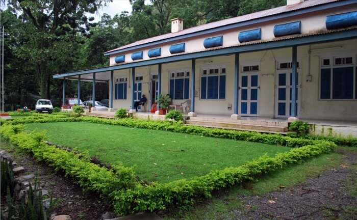 Lawn and entrance of the Himachal Tourism hotel at near Renuka ji