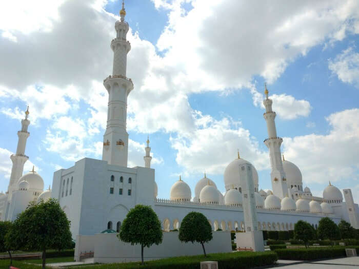 The breathtaking view of Grand Mosque of Abu Dhabi