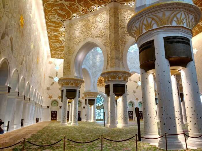 The spectacular interiors of Grand Mosque of Abu Dhabi