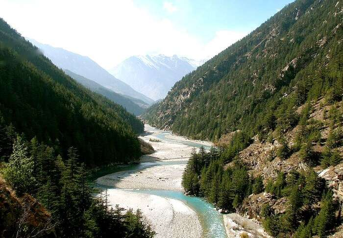 Khirsu in Uttarakhand is one of the best and most romantic hidden places in Himalayas