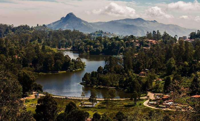 Kodaikanal in Tamil Nadu is one of the popular honeymoon places in South India