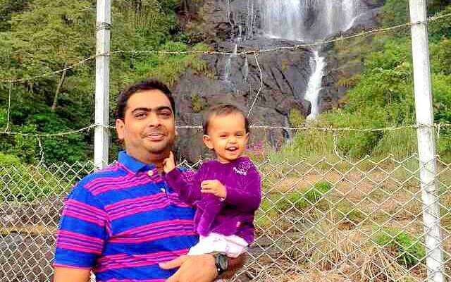 Saumil and his daughter in Munnar