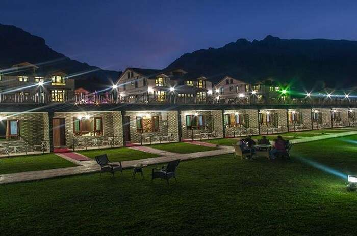 Sindh Resorts in Sonmarg is one of the best hotels of the area