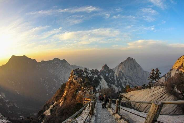 The stunning sunrise at Mount Huashan