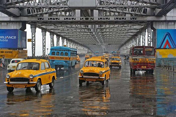 A road trip from Kolkata to Digha via the prominent Howrah Bridge, Kolkata
