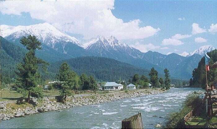 The beautiful view of Betaab Valley in Srinagar