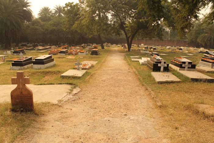 The forgotten cemetery in Delhi