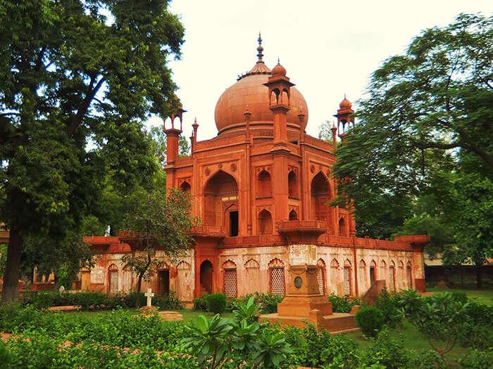 Roman Catholic Cemetery in Agra