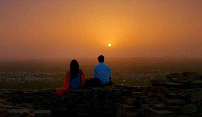 Ranbir and Deepika enjoy a sunset at Chittorgarh Fort in the movie – Yeh Jawani Hai Deewani