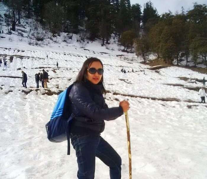 Trekking in the snow in Manali