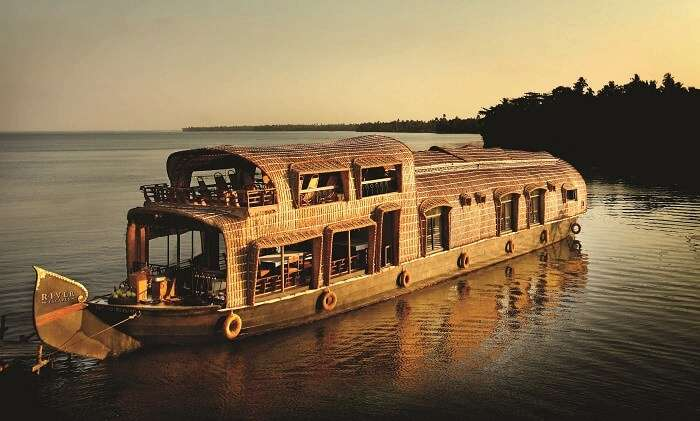 Houseboats in Alleppey provide the most memorable experiences for life