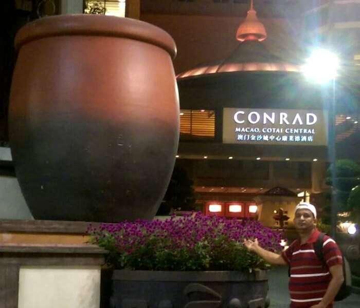 Enjoying the hotel in exciting Macau