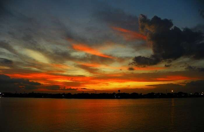 Stunning sunset at Millennium Park draws many couples which has made it one of the most romantic places in Kolkata