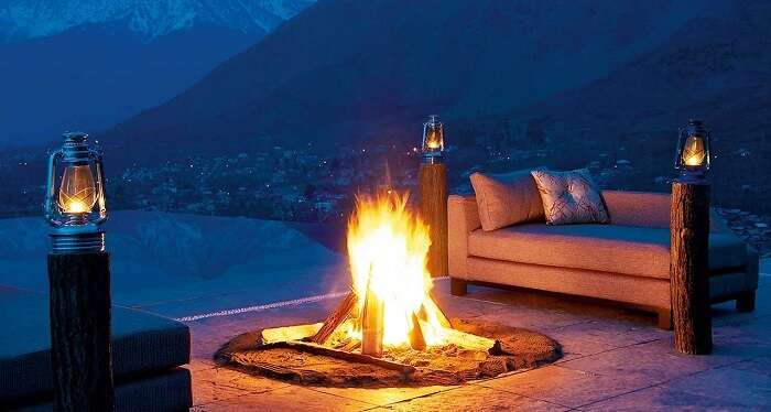 Vivanta by Taj-Dal View is touted to be one of the best hotels in Srinagar near Dal Lake