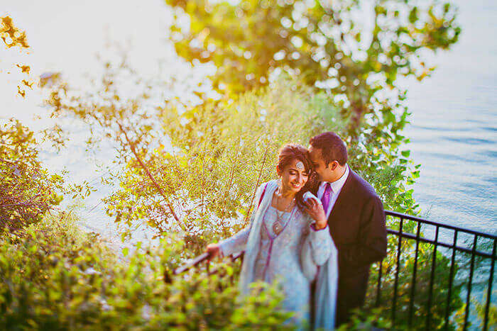 A couple spending romantic moments at Mahabaleshwar
