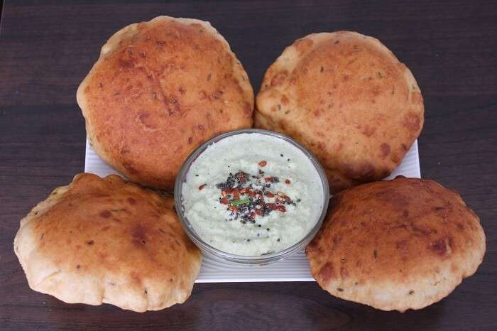 The delicious Mangalore sweet buns served with coconut chutney
