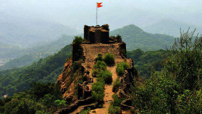 A beautiful view of the Pratapgarh Fort near Mahabaleshwar