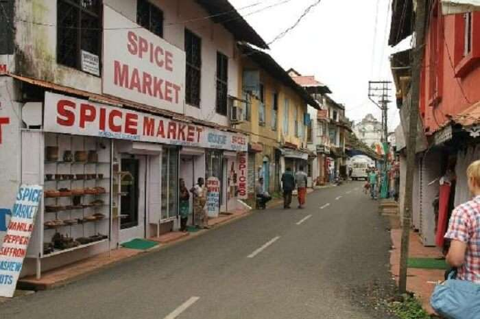 Markets in Munnar are popular for its tea and spices
