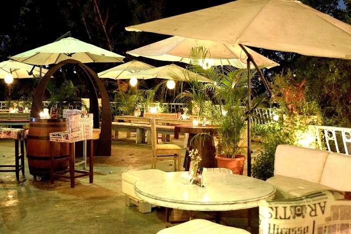 The bungalow setting of Cocoparra sets it apart from every other romantic place in Pune