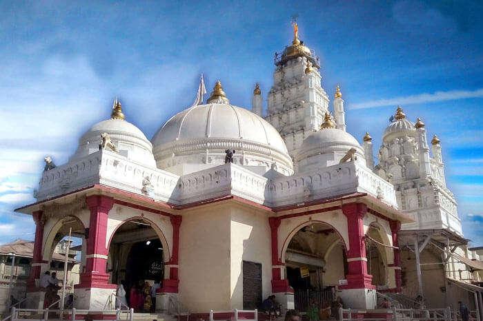 The Krishna temple at Darok is a spiritual picnic spot near Vadodara